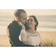 La postboda de Marta y Alberto al atardecer en el blog  #bodasasturias #fotografoasturias #fotografiaboda #gijon #bodaselnorte #bodasgijon #postboda #mar #playa #arena #naturaleza #beach #sea #fotosdeboda #bodaverano #wedding #weddingpic #boda2016 #boda2017 #love #back #bridal #book #picoftheday #photooftheday #weddingphotographer