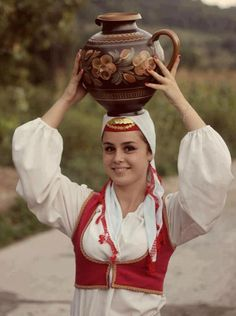 Traditional clothes, Bosnia-Hercegovina (Via Šeher Bosna - moj Rahatluk)