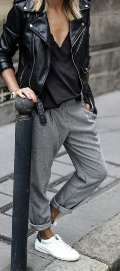 Camille Callen looks effortlessly chic in grey slacks and fresh white sneakers; the ultimate tomboy look. The post The Tomboy Style Illustrated And The Cute Tomboy Outfits You Don& Want To Miss appeared first on Food Monster. Normcore Outfits, Cute Tomboy Outfits, Mode Outfits, Casual Outfits, Normcore Style, Tomboy Dresses, Fall Outfits, Summer Outfits, Androgynous Style