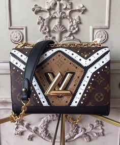 LOUIS VUITTON Replica Online Shop - Twist MM Monogram Reverse Canvas is exclusively of top original order quality. Discover more of our Handbags Collection by Louis Vuitton Black Designer Bags, Used Designer Handbags, Pochette Louis Vuitton, Louis Vuitton Handbags, Louis Vuitton Monogram, Luxury Bags, Luxury Handbags, Chanel Handbags, Purses And Handbags