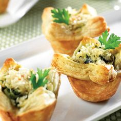 Tired of serving the same old appetizers? Try these mini puff pastry tarts with a savory crab and veggie filling. Finger Food Appetizers, Appetizers For Party, Appetizer Recipes, Healthy Appetizers, Puff Pastry Recipes, Tart Recipes, Cooking Recipes, Puff Pastries, Tapas
