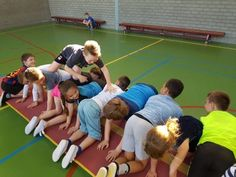 Groene spelen met groep 4 - BS Talentrijk Building Games For Kids, Team Building Activities, Sports Activities, Motor Activities, Activities For Kids, Zumba Kids, Kids Gym, Yoga For Kids, Exercise For Kids