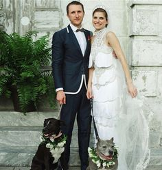 Lake Bell and Scott Campbell Share Official Wedding Photo Lake Bell Wedding: Official Photo with Dogs of Honor . their two adorable pit bulls.<br> The newlyweds share their sweet wedding photo with PEOPLE exclusively Lake Bell, Dog Wedding, Dream Wedding, Fantasy Wedding, Wedding 2015, Garden Wedding, Wedding Stuff, Jennifer Aniston, Celebrity Dogs