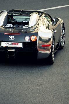 ♂ Luxury black & silver car Bugatti