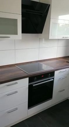 Kitchen Decor Modern, Country Kitchen Decor, Kitchen Modular, Kitchen Inspiration Design, Modern Kitchen Renovation, Kitchen Room Design, Kitchen Furniture Design, Modern Kitchen Design, Kitchen Style