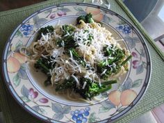 Linguini with olive oil & broccoli-YUM!! http://learnfromyesterday.com
