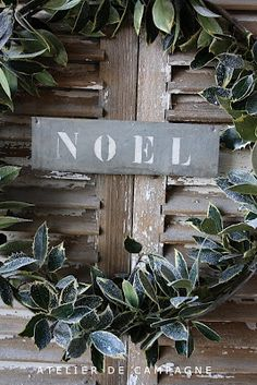 Primitve Christmas...pinned from ATELIER DE CAMPAGNE...it's a beautiful blog!