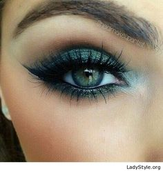 Black and green eye makeup for blue eyes - LadyStyle