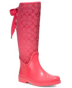 Coach rain boots- look at the bow in the back Coach Bags Outlet, Cheap Coach Bags, Dream Shoes, Crazy Shoes, Wellies Boots, Shoe Boots, Shoes Heels, Cute Shoes, Me Too Shoes