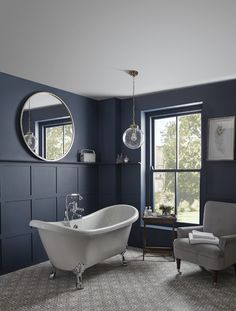 Traditional bathroom 250231323031608469 - This traditional freestanding luxury double slipper bath will create a stunning centrepiece in any bathroom. Bathroom Style, Slipper Bath, Classic Bathroom, Traditional Bathroom Designs, Trendy Bathroom, Bathroom Styling, Victorian Style Bathroom, Victorian Bathroom, Bathroom Design