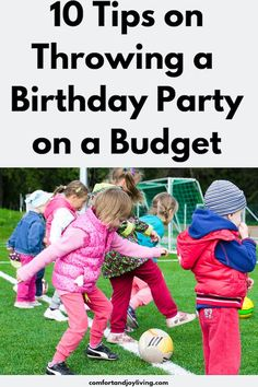 10 Tips on Throwing a Birthday Party on a Budget All Family, Family Life, Family Goals, Backyard For Kids, Birthday Parties, Kid Parties, Birthday Diy, Birthday Ideas, First Time Moms