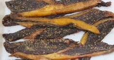 Beef and Game Biltong Recipe - Stefaans Blaauw is from Windhoek Namibia and is well known in South Africa for his AWESOME biltong. Fig Recipes, Beef Recipes, Cooking Recipes, Recipies, Cooking Ideas, Pickled Fish Recipe, Best Burger Recipe, Biltong, South African Recipes