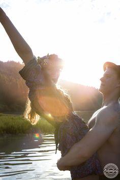 Fotoshooting am Marbachstausee Ideen für Pärchenbilder #pärchenbilder #pärchenfotoshooting #fotoshooting #pärchen #paar #couple #see #photoshooting #photoshoot #lake #romantic #hippie #romantisch #sonnenuntergang #wasser #water #sunset #kinmara #neckargemünd #odenwald
