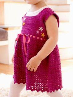 Crochet SundressModern Design for your favorite little girl.... This pattern is available for free... Full post:Crochet Sundress