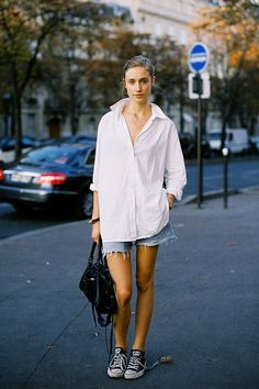 A Weekend Outfit That's Equally Stylish and Comfortable (Le Fashion) Camisa Boyfriend, Boyfriend Shirt Outfits, Big Shirt Outfits, Boyfriend Style, Boyfriend Jeans, Urban Street Style, Street Style Summer, Summer Chic, Spring Style