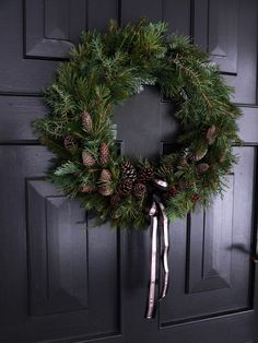 – Best Picture For jul krans diy For Your Taste You are looking for something,… Christmas Makes, Noel Christmas, Rustic Christmas, Christmas Gifts, Xmas, Christmas Door Decorations, Christmas Centerpieces, Holiday Wreaths, Holiday Decor
