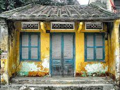 House in Hoi An, Vietnam North Vietnam, Hanoi Vietnam, Vietnam Travel, Asia Travel, Jig Saw, Colonial Architecture, Chinese Architecture, Hoi An, Vietnam Hotels