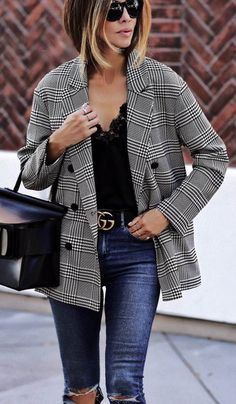 blazer outfit Plaid Blazers to Shop Now Plaid Blazer / Herbst Streetstyle Mode Look Blazer, Plaid Blazer, Blazer Outfits, Blazer Fashion, Fashion Outfits, Womens Fashion, Fashion Trends, Blazer Jeans, Fashion Ideas