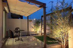 やわらかな光に包まれた美しい外観。周りの視線も気にならないプライベートガーデン。 #lightingmeister #gardenlighting #outdoorlighting #exterior #garden #light #house #home #pinterest #living #private #privacy #beautiful #soft #privategarden #リビング #プライベート #プライバシー #美しい #やわらかい #ガーデン #プライベートガーデン #家 #庭 #照明