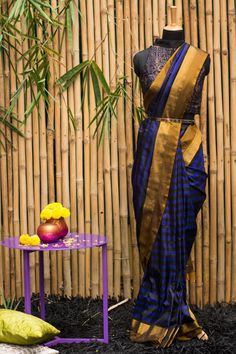 A royal blue, black striped Gadhwal pure silk saree with a muted mustard gold border, should we say more? If there is one silk saree you would want to own, this should be it. Wear in the day or wear it at night. A friends wedding or a glam reception…it's fail proof in it's versatility. Did I also mention the sheer opulence of the muted mustard gold pallu? #houseofblouse #festive #saree #puresilk #blouse #indianwear #india #fashion #bollywood #stripes #blackandblue