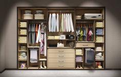 Geniş ve kullanışlı, mobilya giysi dolaplarından bir derleme.
