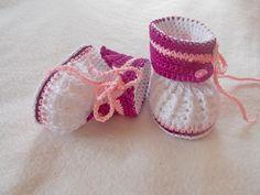 Babyschühchen/Stiefelchen von sweet baby shoes store auf DaWanda.com