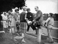 Am Randes des Polo-Platzes in Berlin- Frohnau ullstein bild - Atelier Binder/Timeline Images, 1927