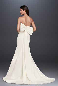 Faille Mermaid Wedding Dress with Bow Back Sleek Wedding Dress, Western Wedding Dresses, Cheap Wedding Dress, Dream Wedding Dresses, Wedding Gowns, Bow Wedding, Bella Wedding, Ball Gown Dresses, Bridal Dresses