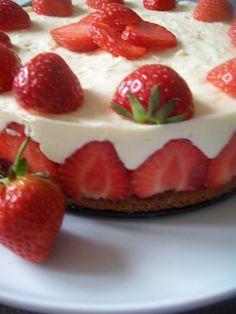 Jahodová torta s penou z bielej čokolády (fotorecept) - obrázok 11