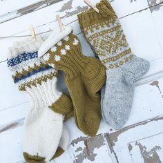 213 отметок «Нравится», 28 комментариев — Mona Vestpåsveen (@monavestpaasveen) в Instagram: «Påfyll i sokkeskuffen min #lagetavmeg #monastrikket #knittinginna #sandnesgarn #dustorealpakka…»