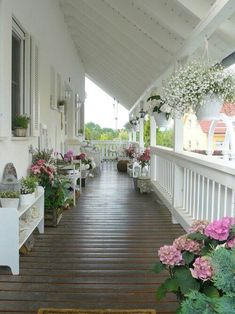 front porch decor ideas - Porches have their background in very early America and are frequently related to a simpler time and lifestyle, Best Rustic Farmhouse Front And Back Porch Designs Ideas Shabby Chic Farmhouse, Shabby Chic Homes, Farmhouse Ideas, Modern Farmhouse, Summer Porch Decor, Veranda Design, Farmhouse Front Porches, Farmhouse Shutters, Southern Porches