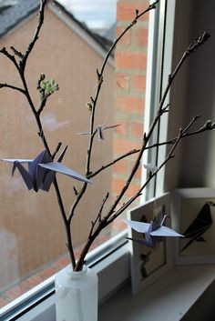 Origami - Kraniche Origami - Crane. This would look nice on my windowsill
