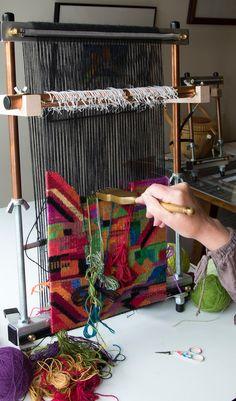 Kelly Casanova Textile and Fibre Artist Weaving Loom Diy, Tablet Weaving, Weaving Art, Hand Weaving, Weaving Textiles, Weaving Patterns, Yarn Crafts, Fabric Crafts, Tapestry Loom