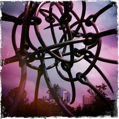 https://www.flickr.com/photo.gne?rb=1&short=7Ycypi | James Surls sculptures at Rice University