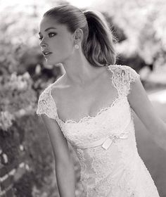 Normally I don't like lace on wedding dresses, but this is one exception!