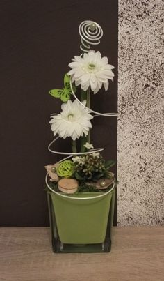 Tischdekoration, Tischgesteck, Gesteck, Frühling, Sommer, grün-weiß