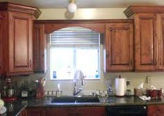 Wood Valance Over Kitchen Sink Kitchen Window Valances, Kitchen Sink Window, Kitchen Window Treatments, Modern Kitchen Cabinets, Wooden Kitchen, Painting Kitchen Cabinets, Kitchen Curtains, Wood Cabinets, Kitchen Tiles