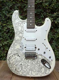 Hood Bass Guitar 5 Seconds Of Summer Guitar Tattoo Ideas Awesome Guitar Painting, Guitar Art, Music Guitar, Cool Guitar, Ukulele, Guitar Scales, Guitar Fender, Guitar Logo, Fender Stratocaster