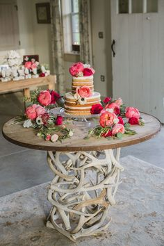 Photography: Amy Campbell Photography - amycampbellphotography.com/  Read More: http://www.stylemepretty.com/2014/09/19/kentucky-barn-wedding-filled-with-peonies/