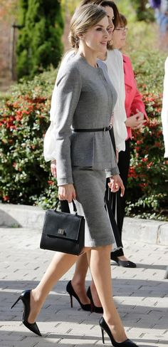 Queen Letizia. Carolina Herrera wool cashmere suit, Hugo Boss bag, Prada heels - 1950s style