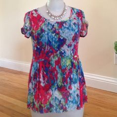 Anthro Weston wear top Double layer of fabric, solid blue underlayer, very easy to wear fits small to med Anthropologie Tops