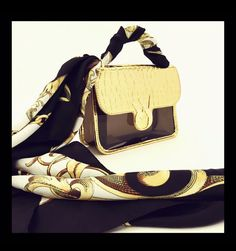 Black & Gold. Wear the elegance. #wyandottebags #outfitoftheday #lookoftheday #TagsForLikes #fashion #bag #cool #moda #borsa #style #love #beautiful #currentlywearing #love #trendy #whatiworetoday #ootdshare #outfit  #fashiontrends #todayimwearing  #outfitpost #fashionpost #shopping #beauty visit our website: www.wyandotte.it