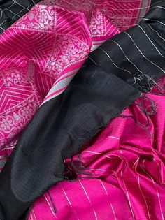 Big Bordered KHADI MOTIFS PATTU Sarees Red Leather, Leather Jacket, Sarees, Big, Jackets, Fashion, Studded Leather Jacket, Down Jackets, Moda