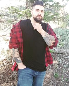Pin by j m on husband material in 2019 Mens Plus Size Fashion, Large Men Fashion, Mens Fashion Suits, Sexy Tattooed Men, Mens Photoshoot Poses, Sweat Shirt, Chubby Men, Plus Size Men, Vetement Fashion