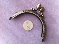 縫いつけがま口 縫い方のバリエーション 3  | cherin-cherin 通信 Pocket Watch, Diy And Crafts, Bags, Accessories, Jewelry, Couture, Scrappy Quilts, Crochet Purses, Wallet