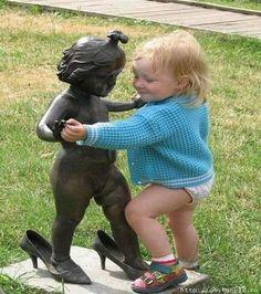 Qual menina nunca usou saltos da mamãe?!