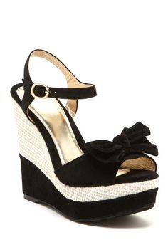 Delilah Bow Wedge