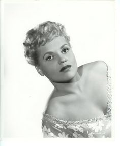 Judy Holiday 1952, great, beautiful actress Judy Holliday, Classic Actresses, Beautiful Actresses, Actors & Actresses, Marissa Tomei, Kelly Mcgillis, Stephanie Powers, Orson Welles, Julie Andrews