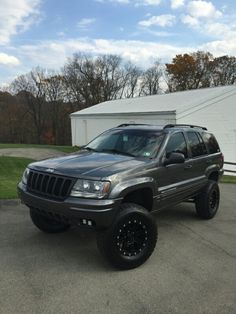http://www.jeepforum.com/forum/f310/4-4-5-lifted-wj-grand-cherokees-picture-thread-2949377/#/forumsite/20623/topics/2949377?page=7 A beautiful setup!