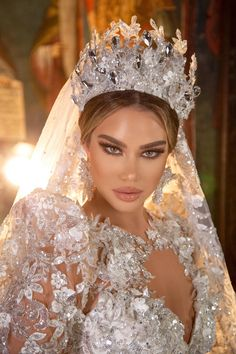 Extravagant Wedding Dresses, Wedding Dress Trends, Elegant Wedding Dress, Best Wedding Dresses, Bridal Dresses, Wedding Styles, Wedding Gowns, Diamond Dress, Wedding Makeup Looks